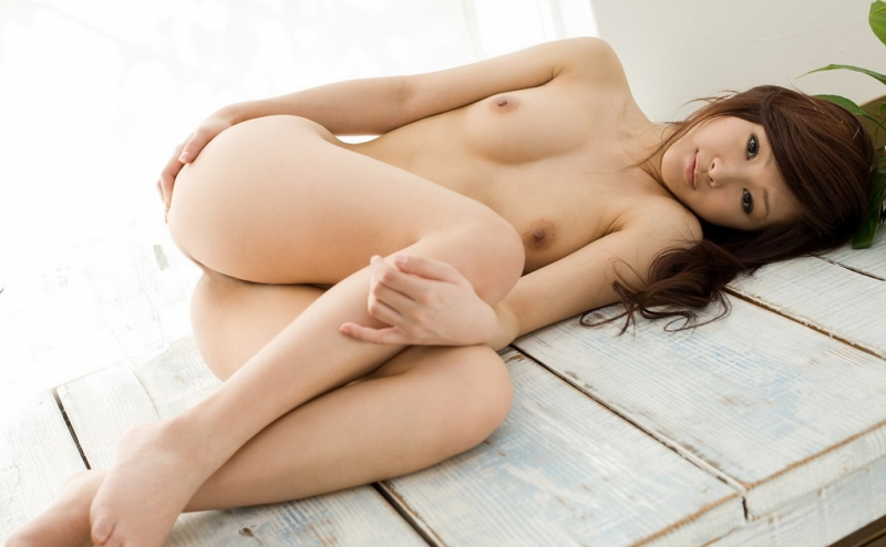 Super cute Asian girls naked pose