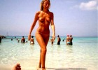 288-thumb-Skinny-tall-sexy-babe-walking-topless-from-the-water Pink bikinis babe walking through the hot sand